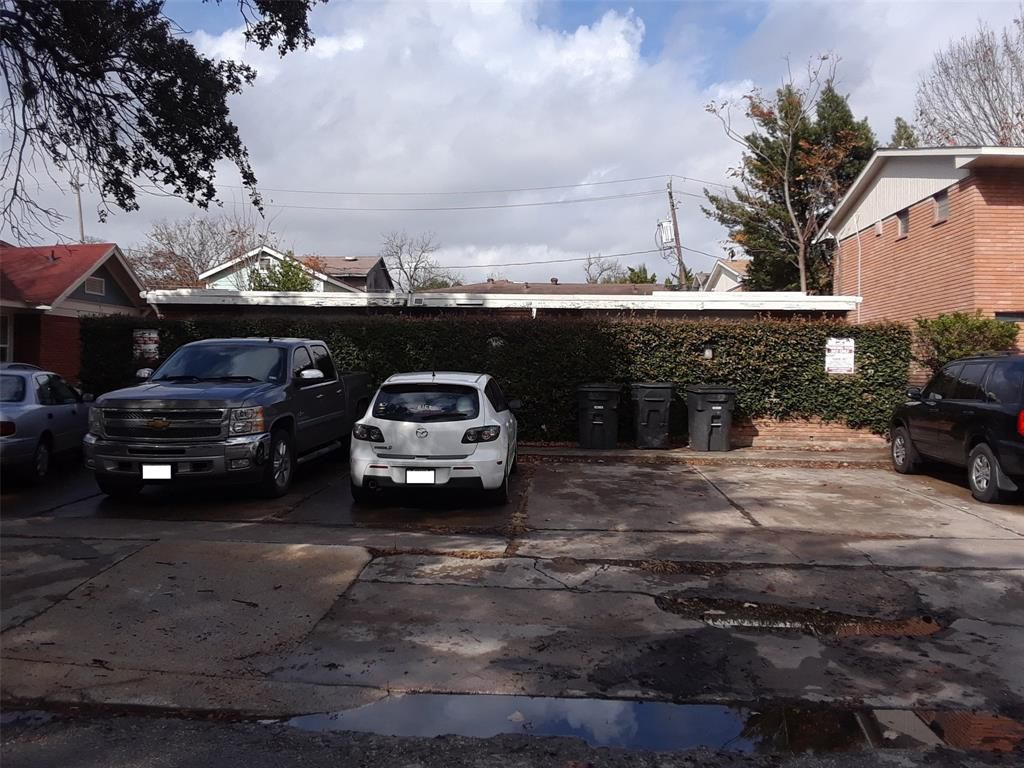 1612 Colquitt St, Houston. Click for more photos and pricing